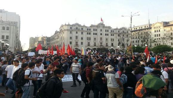 Ley laboral: 3 jóvenes fueron detenidos por convocar a marcha