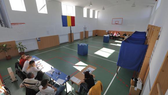 Rumania: Fracasa referendo que veta matrimonio gay por baja participación. (Foto: EFE)
