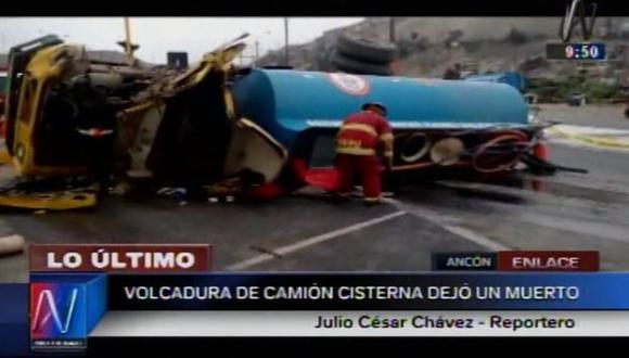 Chofer de camión murió tras volcadura en Panamericana Norte