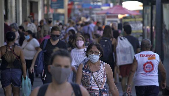 A medida que continúa la crisis debido al coronavirus, Brasil y otros países debaten extender respaldo financiero de emergencia a los ciudadanos. (Foto: AFP)