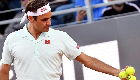Roger Federer abandonó por lesión y Stefanos Tsitsipas avanzó a la semifinal del Masters 1000 de Roma.   Foto: EFE