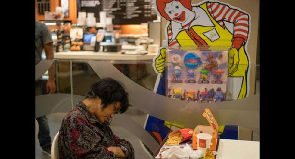 McRefugiados: indigentes duermen en un McDonald´s de Hong Kong