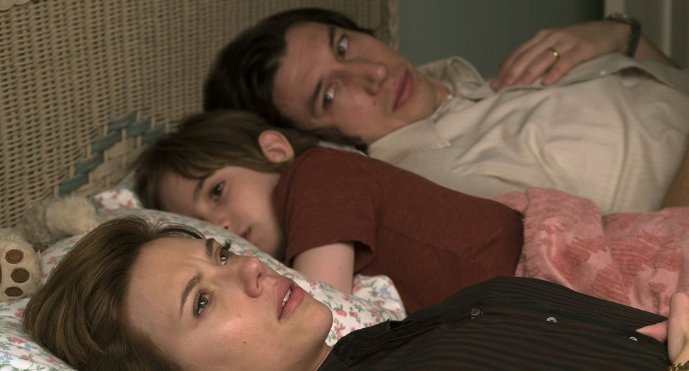"""""""Marriage Story"""" es una cinta producida y transmitida por Netflix. Está protagonizada por Scarlett Johansson, Adam Driver, Laura Dern, Alan Alda, Ray Liotta, Azhy Robertson, Julie Hagerty y Merritt Wever."""