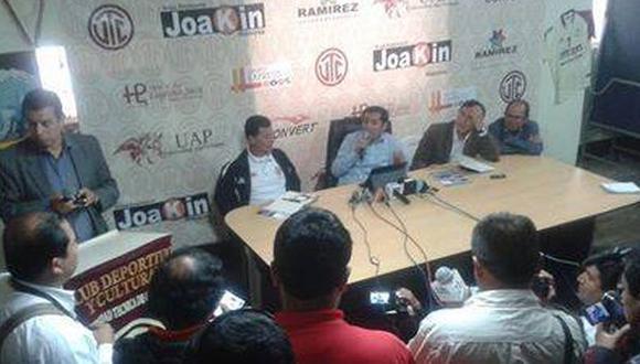 Jugadores cesados de UTC ingresaron al club con la policía