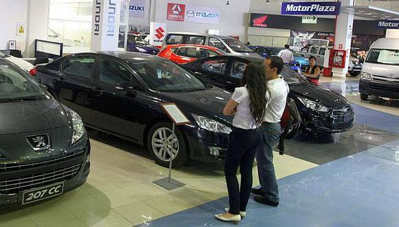 El segmento de vehículos ligeros cayó 8.3% en octubre. (Foto: USI)
