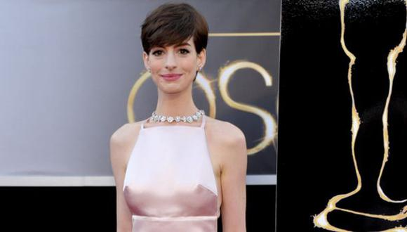 Anne Hathaway casi se ahoga en Hawái