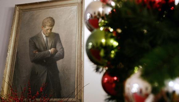 La respuesta breve y reconfortante de Kennedy a la niña es parte de un conjunto de materiales de archivo con temas navideños exhibido en la Biblioteca y Museo Presidencial John F. Kennedy en Boston. (Foto: AP)