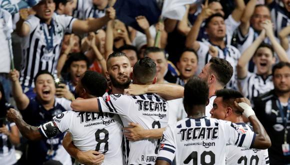 ¡Monterrey campeón de Concachampions! Rayados igualaron 1-1 con Tigres pero se coronaron con un global 2-1.   Foto: Reuters