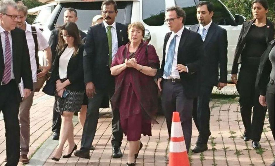 Michelle Bachelet llegando a su reunión con los familiares de opositores que se encuentran presos. (Foto: Twitter de @mauribernal13, vía El Nacional de Venezuela/ GDA)