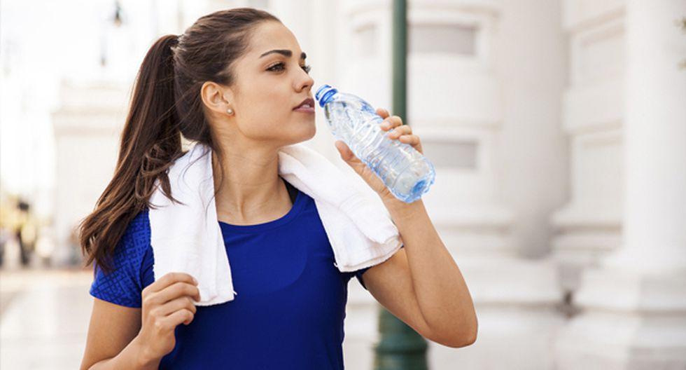 ¿Cómo debo hidratarme durante el entrenamiento?