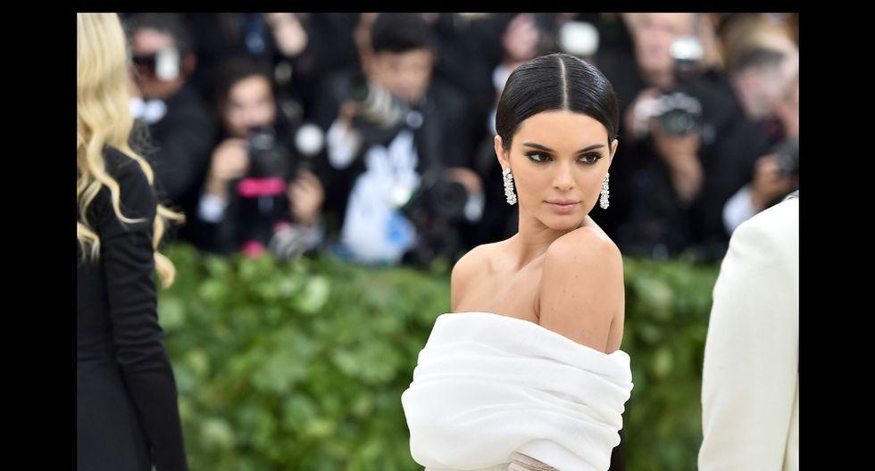 Kendall Jenner subió una foto a Instagram Stories que causó revuelo entre sus fans. (AFP)