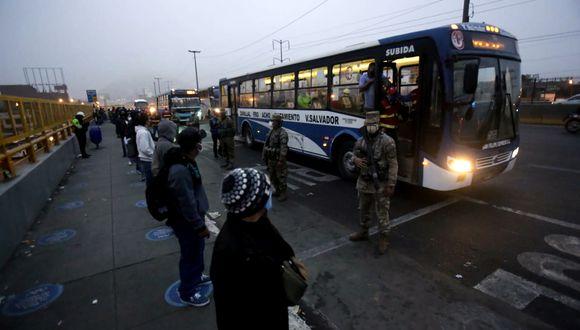 Desde esta madrugada se reportó que el transporte de servicio público funcionó con normalidad en Lima y Callao. (Foto: César Grados)