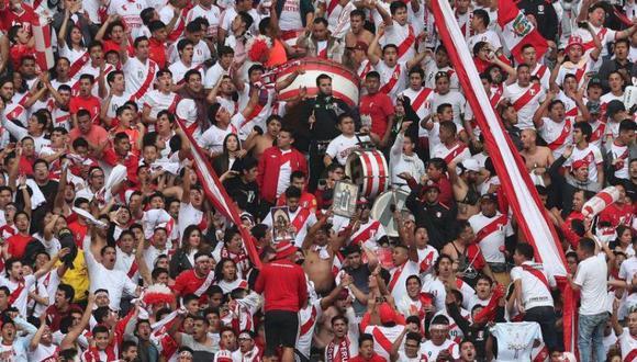 Los seguidores de la selección peruana de fútbol aumentaron tras la clasificación al Mundial Rusia 2018 y abrieron las puertas a nuevas propuestas de negocio. (Foto: EFE)