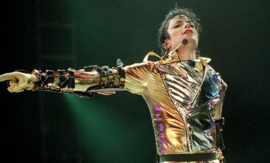 Jackson tenía un cuerpo muy entrenado que le permitía hacer complejos movimientos en el escenario. (Foto: Getty)