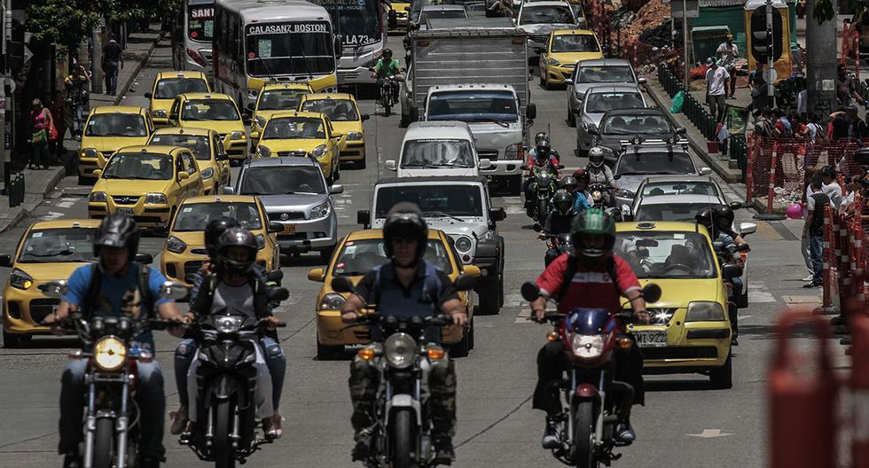 El Pico y Placa en Colombia es obligatorio en todos los vehículos motorizados. El incumplimiento de esta norma genera una multa de 414.100 pesos. (Foto: AFP)