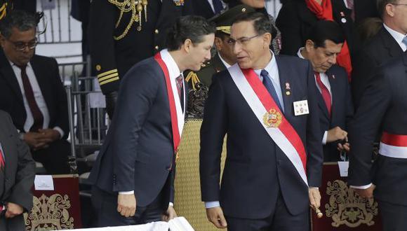 El titular del Congreso, Daniel Salaverry, coincidió con el presidente Martín Vizcarra en la Parada Militar. Salaverry recibirá hoy al mandatario en el Palacio Legislativo. (Foto: Alonso Chero / El Comercio)