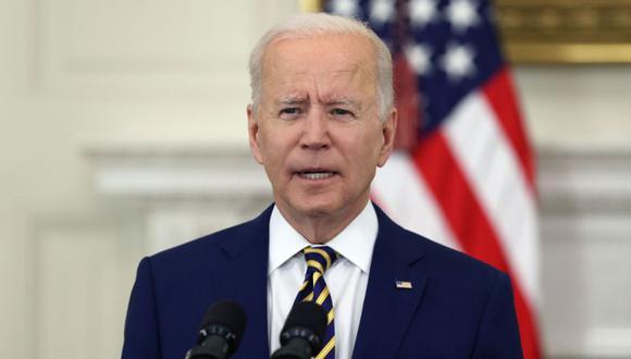 El presidente de Estados Unidos, Joe Biden, ofrece una actualización sobre el programa de vacunación y respuesta al COVID-19 de los Estados Unidos durante un discurso en la Casa Blanca en Washington, DC. (Foto: EFE / EPA / TASOS KATOPODIS / POOL).