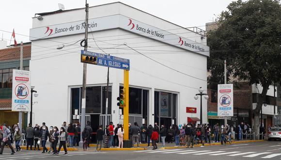 Medidas tomadas por el Banco de la Nación comenzaron a regir en las agencias desde el jueves. (Foto: Violeta Ayasta)