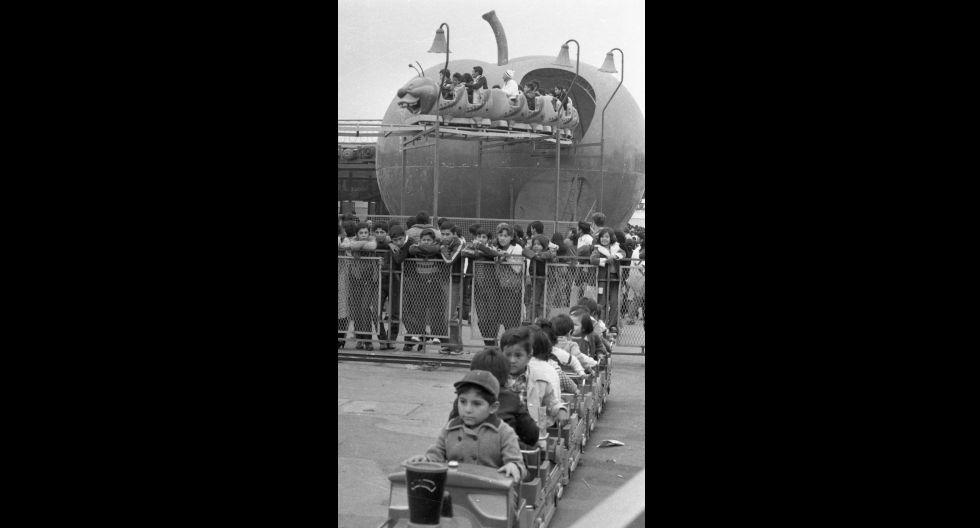 La recordada Feria del Hogar fue el escenario para el estreno de muchos juegos mecánicos durante varios años. (Foto: Jorge Chávez / El Comercio)