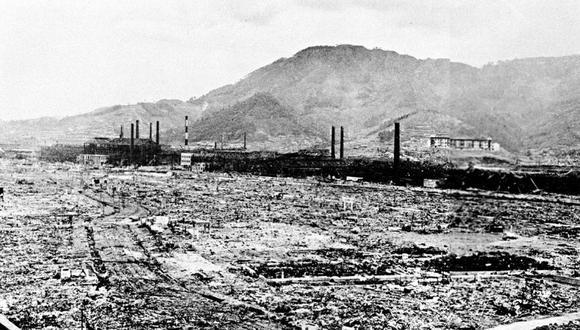 La bomba lanzada en Nagasaki, bautizada en inglés como Fat man (Hombre gordo) por su forma oronda, dejó destrucción y acabó con la vida de unas 75.000 personas de las 240.000 que habitaban la ciudad en japonesa en 1945. (Foto: AP)