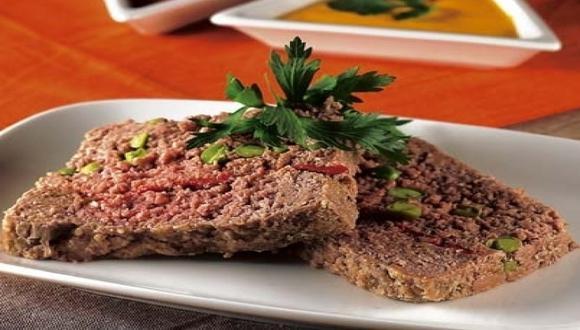 Molde de carne aliñado al ajo
