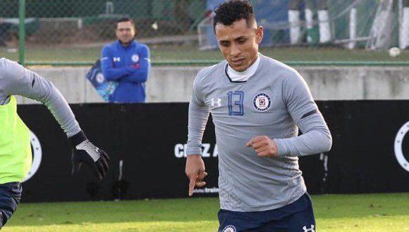 Yoshimar Yotún ha llegado a Cruz Azul con la intención de aportar todo lo que sabe. Su anhelo es romper la sequía de 21 años sin títulos. (Foto: AFP)