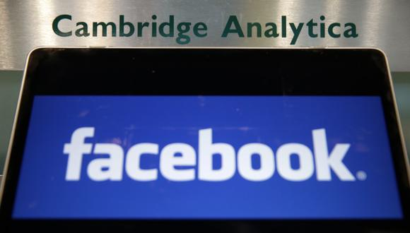 Facebook expresó su indignación por el mal uso de sus datos por parte de Cambridge Analytica en el centro de un escándalo importante que sacudió al gigante de los medios sociales. (Foto: AFP)