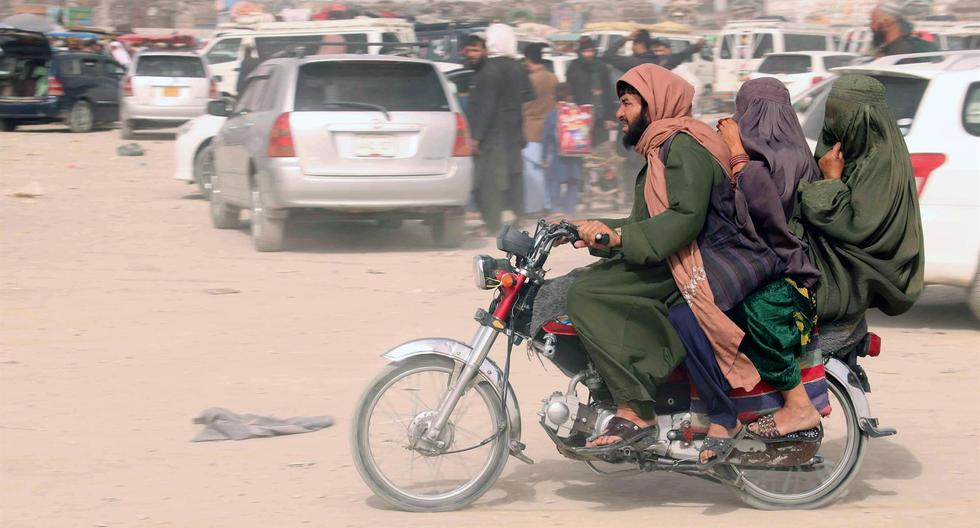 The Taliban take control of Afghanistan and panic seizes Kabul, from where thousands try to flee