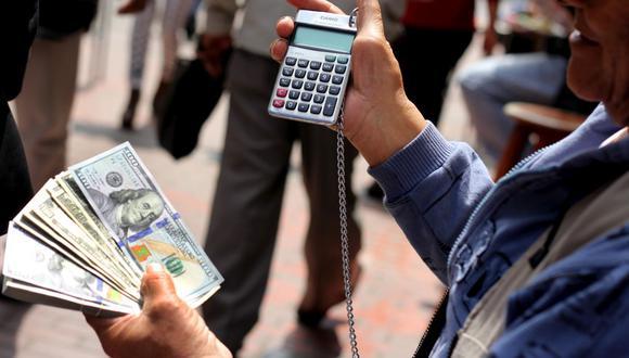 En el mercado paralelo o casas de cambio de Lima, el tipo de cambio se cotizaba a S/3,640 la compra y S/3,670. (Foto: GEC)
