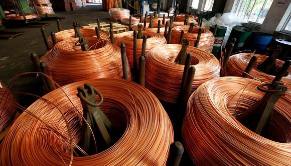 Las existencias de cobre en los almacenes registrados ante la LME están actualmente en 102.550 toneladas. (Reuters / Archivo)