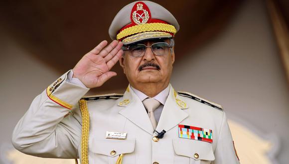 Jalifa Haftar, el general de Libia que protegió la CIA y cuyas fuerzas asedian Trípoli en una cruenta ofensiva. (AFP).