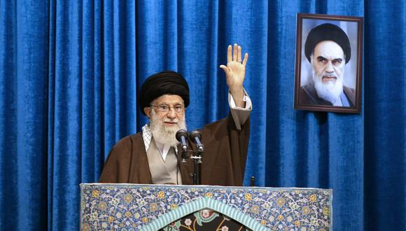 El ayatola Alí Jamenei, el líder supremo de Irán, realizó el sermón de la principal oración de los viernes. (Foto: AP)