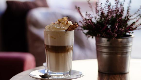 El café frappé es un café helado con una gran cantidad de espuma en la superficie. (Foto: Pexels)