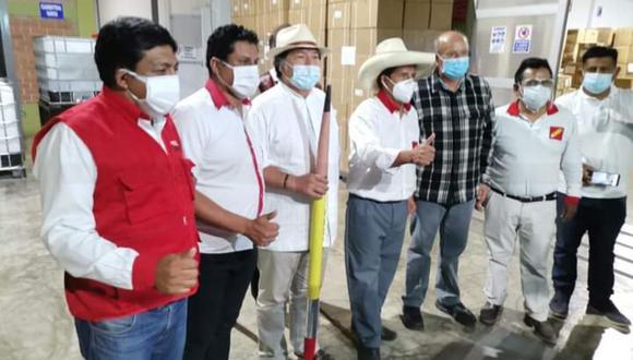 """El candidato de Perú Libre saludó el """"gesto y la voluntad"""" del médico y le dio la bienvenida. Minutos después, Fernández lo desmintió. (Foto: Difusión)"""