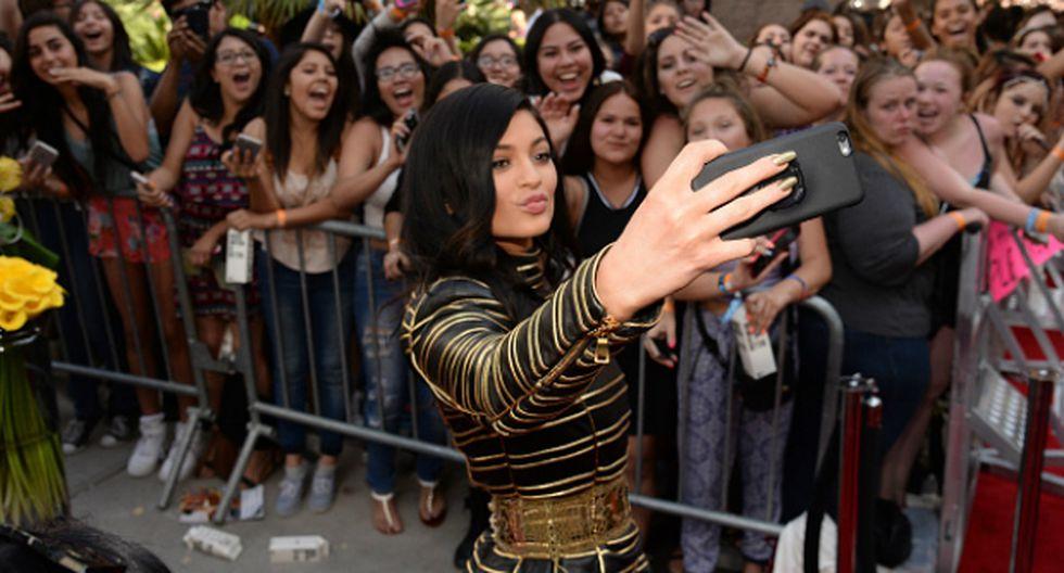 Kylie Jenner compartió en Snapchat video cantando