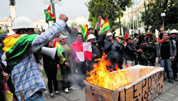 Denuncias de irregularidades en los comicios de octubre en Bolivia llevaron a una veintena de días de protestas que causaron al menos 23 muertes y la salida de Evo Morales. (Archivo AP)