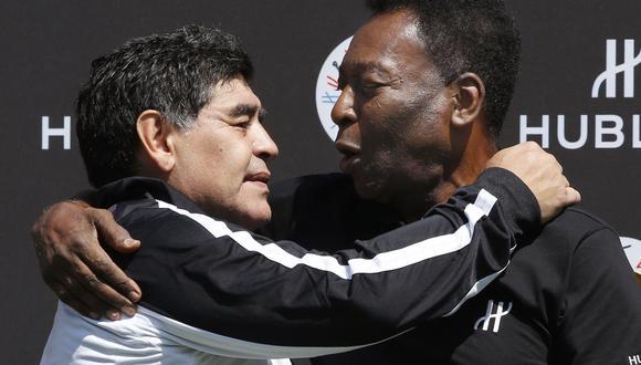 Maradona y Pelé. (Foto: AFP)