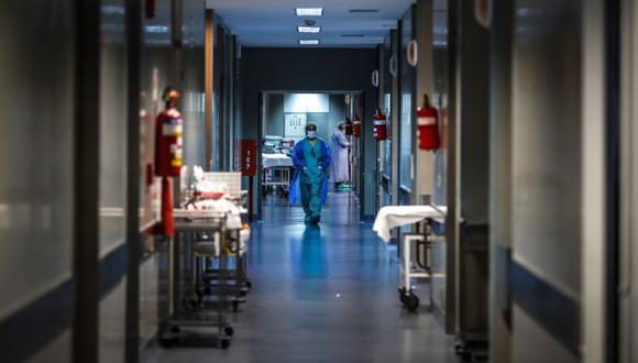 Es necesario controlar la propagación comunitaria del virus pero sin descuidar el resto de problemas de salud pública. (Foto: EFE/ Juan Ignacio Roncoroni/Archivo)