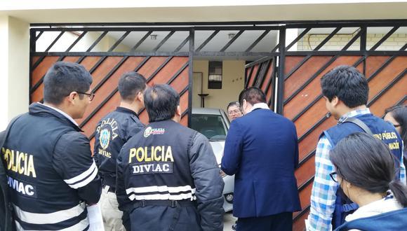 La policía ha procedido a allanar dos inmuebles en Miraflores y uno en Surco para ubicar a Fernando Tantalean. (Foto: El Comercio)