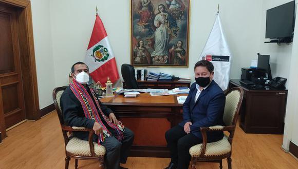 El primer ministro, Guido Bellido, junto al titular de Trabajo y Promoción del Empleo, Iber Maraví. (Foto: @GuidoPuka)