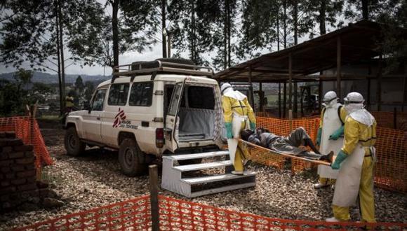 Las autoridades indican que el total de casos se sitúa en 515, de los cuales 467 están confirmados en pruebas de laboratorio y 48 son probables. Más de 45 mil personas han sido inoculadas. (Foto: AFP)