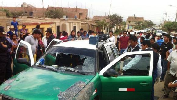 Ángel Escamilo conducía su automóvil, en el que prestaba servicio de colectivo, cuando fue acribillado presuntamente por tres sicarios. (Foto: Johnny Aurazo / El Comercio)