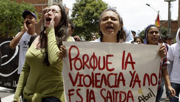 """""""En Colombia aparece, por primera vez, un movimiento que llama a movilizarse para evitar que los huelguistas de un paro general""""."""