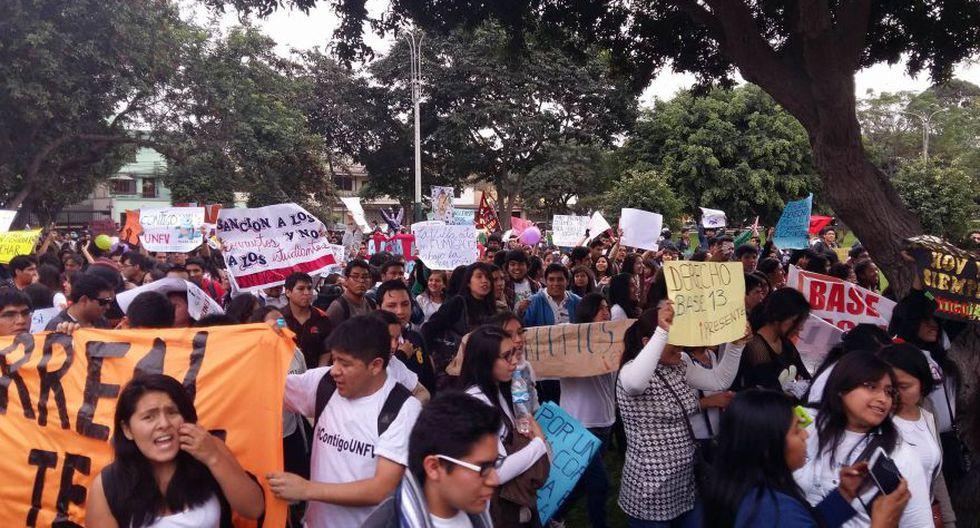 Surco: alumnos de universidad Villarreal marcharon a la Sunedu - 3