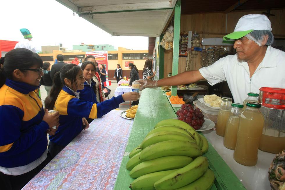 El Minsa publicó el listado de alimentos y bebidas que podrán vender las cafeterías, quioscos y comedores (Fotos: Andina)
