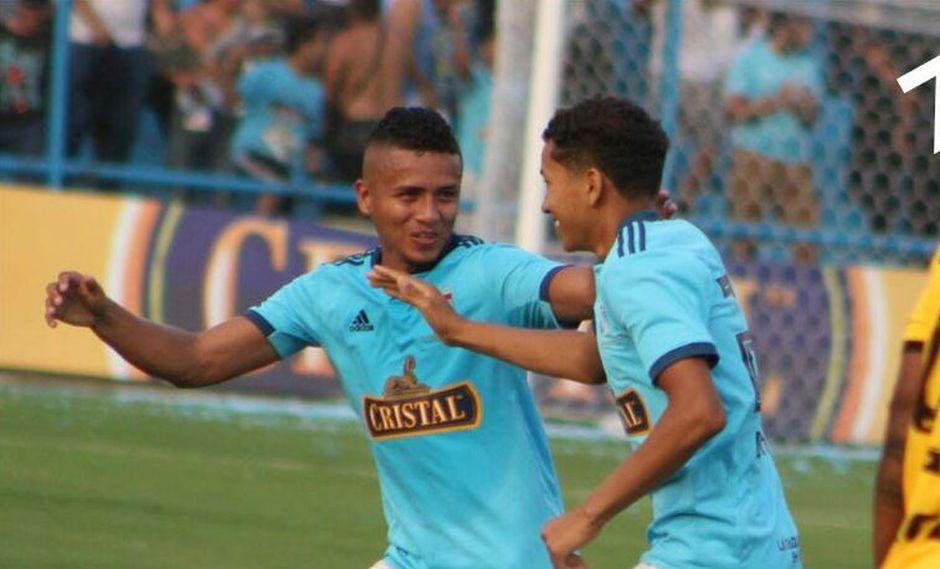 Con goles de Gonzáles y Castro, los celestes se quedaron con el triunfo en el estadio Alberto Gallardo ante un interesante equipo de Cantolao. (Foto: Zona Fútbol)