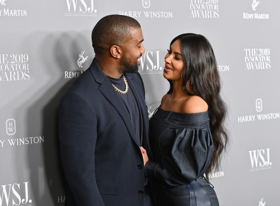 Kim Kardashian y Kanye West eran sin duda una de las parejas de celebridades más influyentes del mundo, y una de las más sólidas de Hollywood. Ellos se conocieron en el 2002, pero iniciaron su relación casi 10 años después. (Foto: Angela Weiss / AFP)
