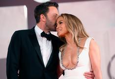 Ben Affleck y Jennifer Lopez se besan y derrochan amor en la alfombra roja de Venecia