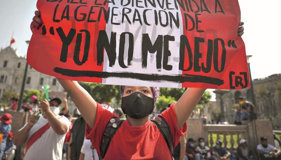 NUEVOS LIDERAZGOS. Hace unos días, la protesta ciudadana convocó a miles de jóvenes que se manifestaron en contra de la clase política del país. (Foto: EFE)