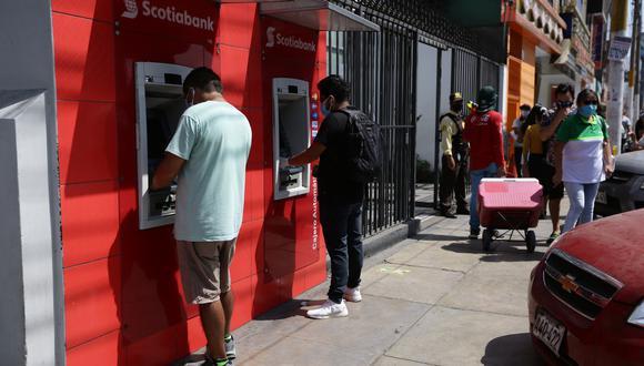 """""""Hoy clientes de Interbank y Scotiabank recibirán los depósitos"""", dijo la ministra de Trabajo, Sylvia Cáceres. (Foto: Fernando Sangama / GEC)"""
